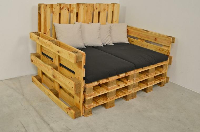muebles-hechos-con-palets-cojines-crema